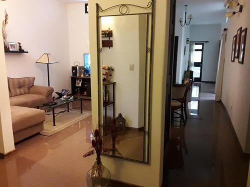 Importante Casa 3 Dormitorios, Gge, Patio.