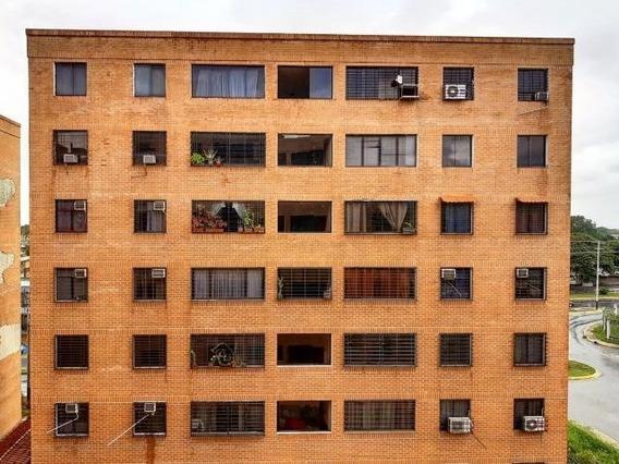 En Venta Apartamento San Jacinto Maracay Zp20-2839