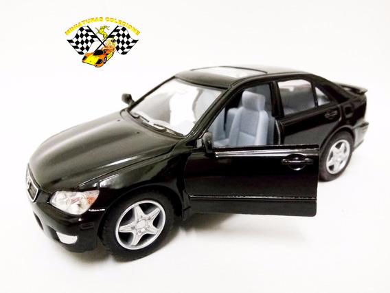 Miniatura Lexus Is300 Preto Kinsmart 1:36