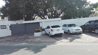Casa En Venta, Colinas De San Javier (remodelada)