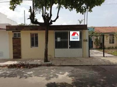 Casa Sola En Venta Venta; Está Por Av., En Loma Bonita, V.a.; Cerca De Av. Pablo Silva