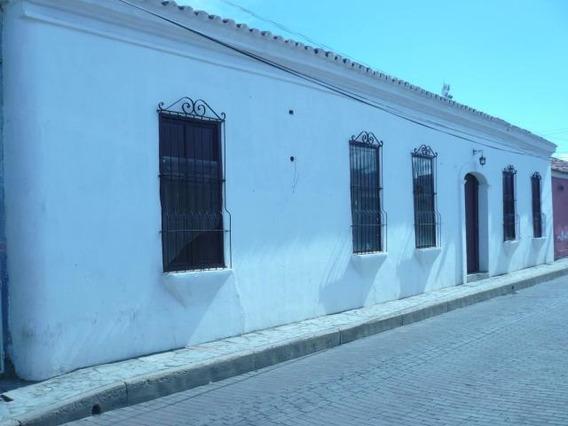 Local Comercial En Venta En Zona Colonial. Coro