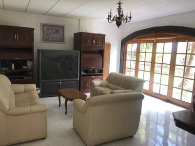 Renta De Casa Dentro De Fraccionamiento Privado Balvanera