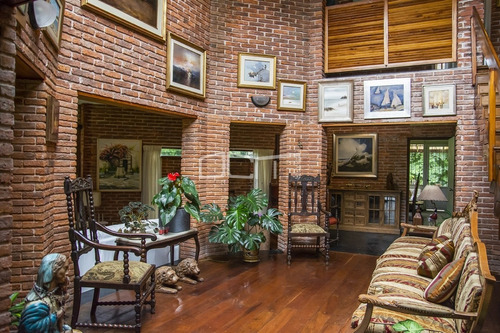 Casa En Zona De La Mansa, En Alquiler- Ref: 537