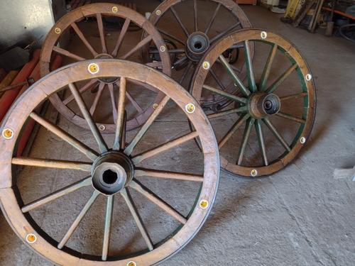 Imagem 1 de 3 de Lustres De Rodas De Carroça