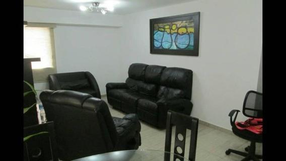 Apartamento En Venta Colinas De Monica, 18-4763 Mf