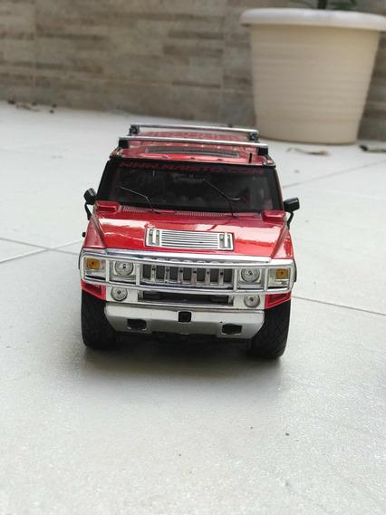 Carro Colecionável Escala 1:18 Hummer H2 Vermelha