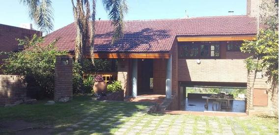 Casa En Alquiler De 3 Dormitorios En El Cerro De Las Rosas