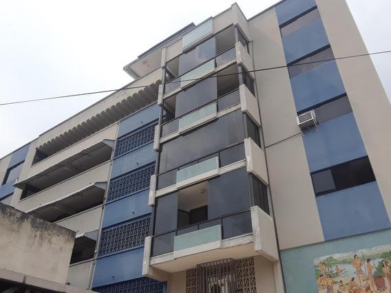 Local En Alquiler Av. Bolivar Norte Valencia 21-2808 Mem