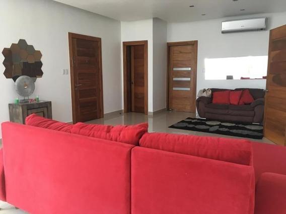 Bello Apartamento En Alquiler Parcialmente Amueblado (sala) 3hab