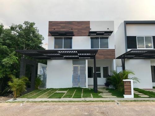 Imagen 1 de 14 de Increible Casa En Residencial Aqua By Cumbres 4 Recs 4 Baños