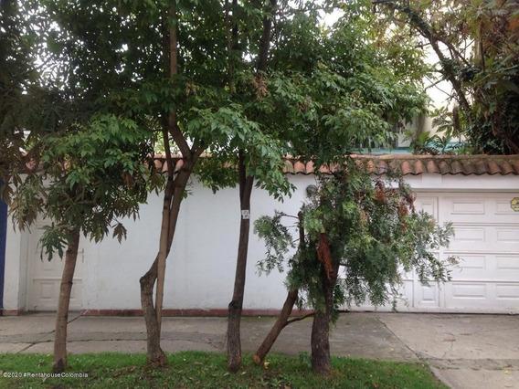 Arriendo Apartaestudio En Santa Margarita Mls 20-1319