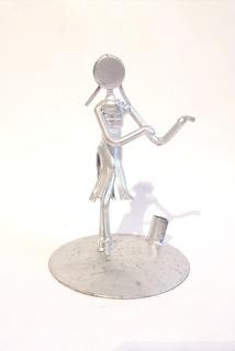 Mono Porta Pluma De Chatarra Clavos Metal Figuras Hawaiiiana