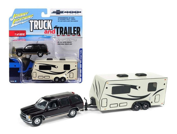 Johnny Lightning Truck And Trailer - Chevy Tahoe Escala 1/64