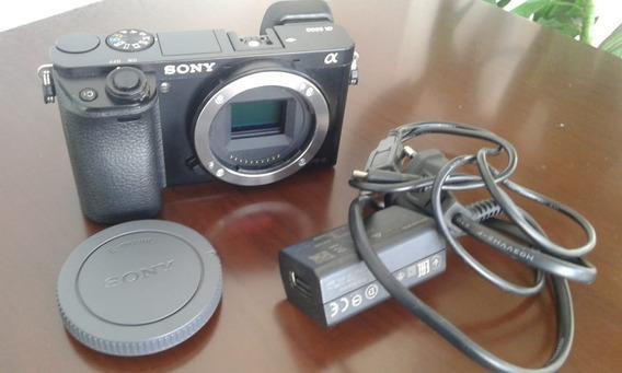 Câmera Sony A6000 (corpo)