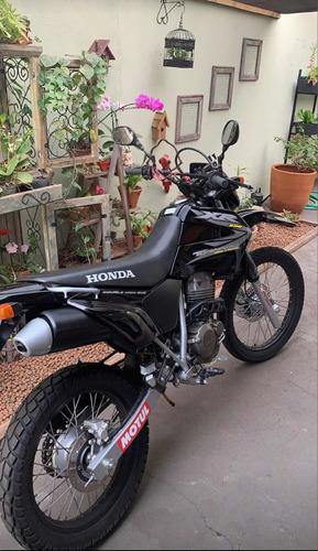 Imagem 1 de 2 de Honda 2002
