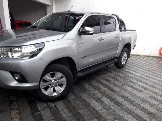 Toyota Hilux Hilux 2.7 Srv Cd 4x2 (flex) (aut)
