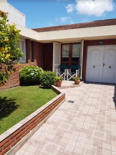 Imagen 1 de 30 de Casa Venta 3 Dormitorios, Parrilla Y Cochera-lote 10 X 20 Mts Y 150 Mts 2 Cubiertos  - Barrio Norte
