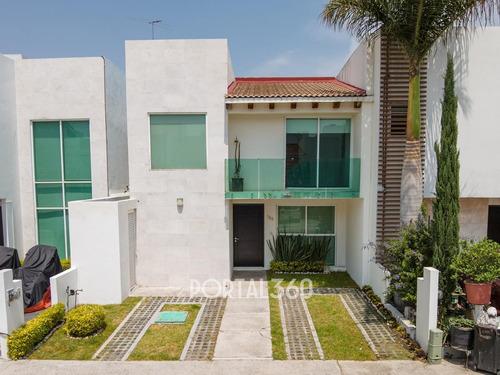 Imagen 1 de 25 de Casa En Venta En Zona Azul, Lomas De Angelópolis