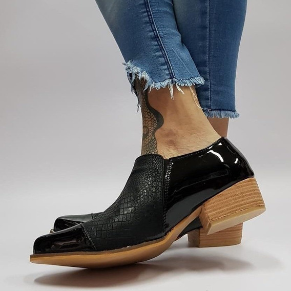 Zapato Bajo Croco Charol Negro