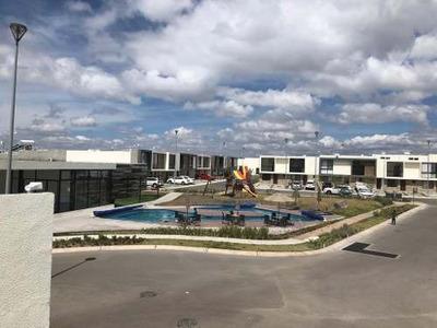 Renta Casa De 2 Plantas Nueva En El Refugio Qro.