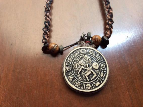 Dije Motivo Tipo Prehispánico De Pasta Amuleto