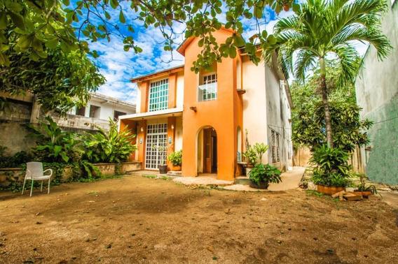 Casa En Venta De 4 Recamaras En Zona Ejidal En Playa Del Carmen