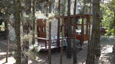 Casa De 2 Dormitorios, 2 Baños Y Amplio Deck Y Bosque Propio