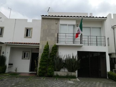 Hermosa Casa En Foresta Metepec Totalmente Remodelada!