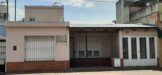 Casa 4 Ambientes, Cocina, Living, Garage P/2 Autos, Patio