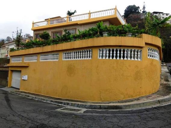 Casa En Venta En Clnas De Los Chaguaramos De 717 Mts
