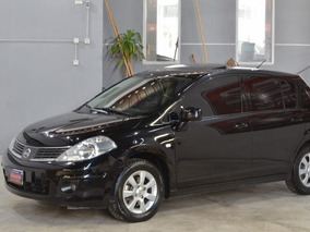 Nissan Tiida 1.8 6mt Visia Nafta 5 Puertas 2009 Color Negro