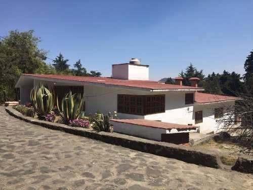 Gran Terreno Con Casa De Dos Niveles.