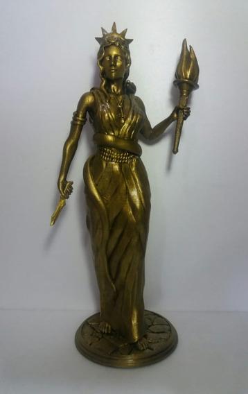 Estatua Diosa Hecate 40cm ( Impresión 3d)