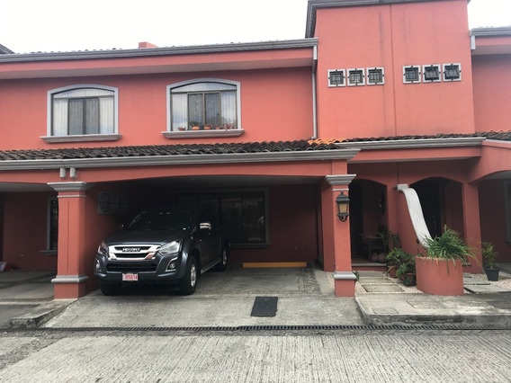 Se Vende Bella Casa En Condominio En Curridabat