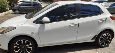 Mazda Mazda 2 Sedan 2010