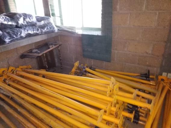Puntales Metalicos En Tejeda En Queretaro