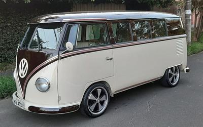 Volkswagen Kombi 1975 Restaurada