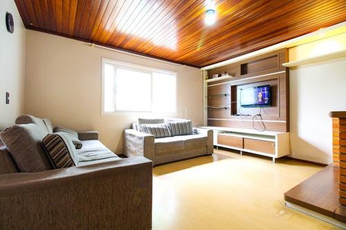 Casa Em Porto Alegre Com 3 Dormitórios - Ot7083