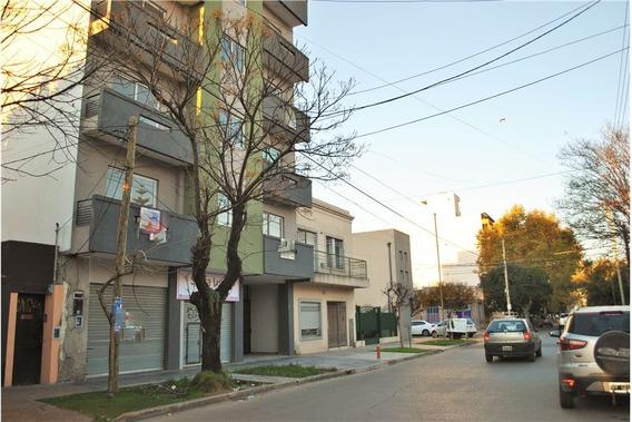 Oficina O Local A La Calle Planta Baja. Moreno