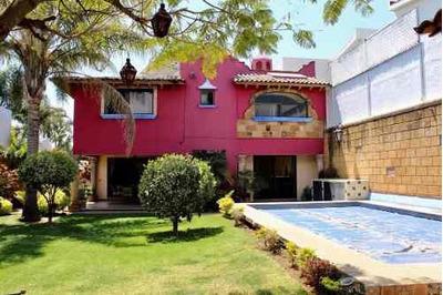 Casa En Fraccionamiento En Real De Tetela / Cuernavaca - Roq-467-fr