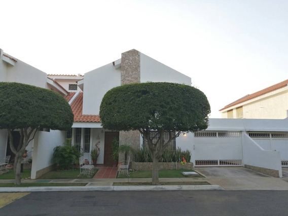 Casa Venta Conj Cerrado Av Fuerzas Armadas Api 28164 Nmendez
