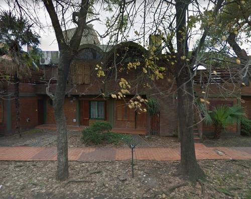 Ph En Alquiler, Monoambiente Con Patio. Villa Luzuriaga.