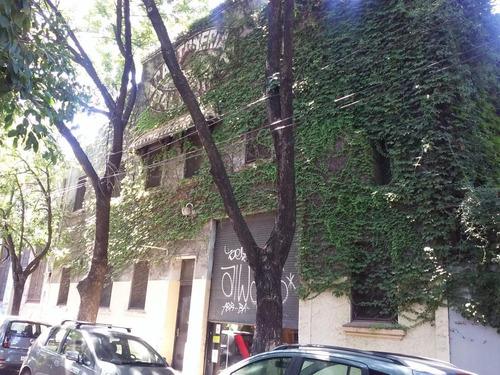 Local- Palermo
