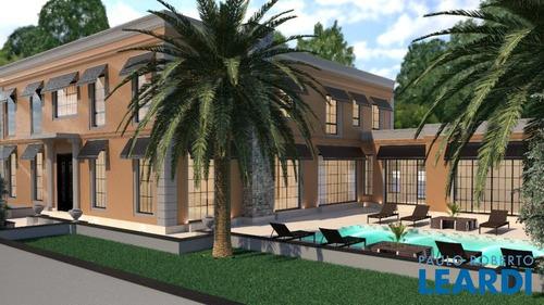 Casa Em Condomínio - Tamboré - Sp - 631020
