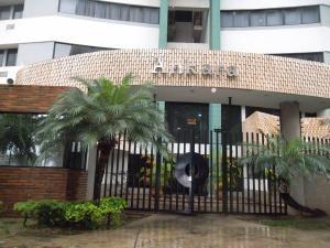 Gustavo Zavala Apartamento En Venta Valles De Cam 18-3461