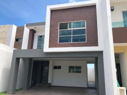 Casa Sola En Venta Altabrisa Cerritos Residencial En Area De Spectacular A Cudaras De Playas