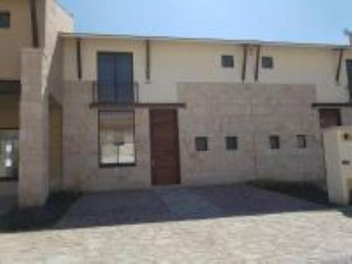 Imagen 1 de 12 de Casa Sola En Renta Hacienda Valbuena