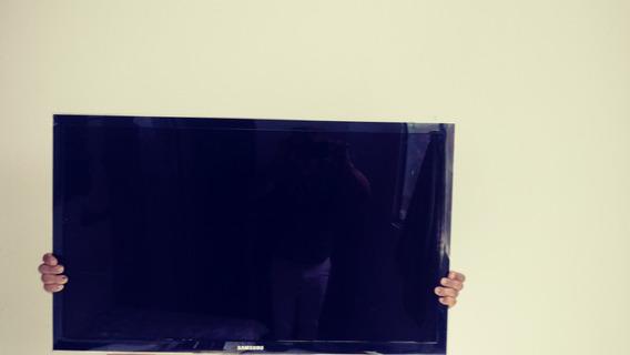 Tv Com Pequeno Problema Tela( Cristal)