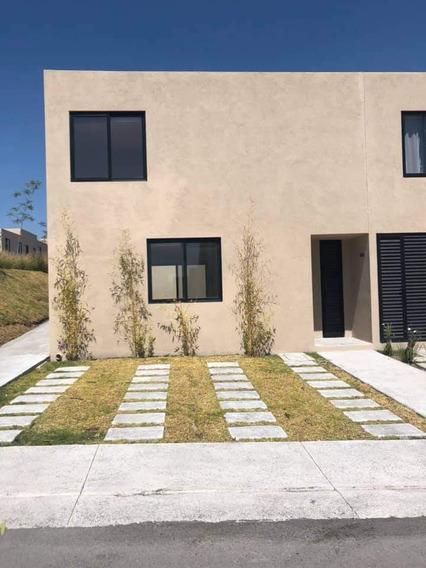 Renta Casa, 2 Recamaras Zakia, Condominio Esencia, Querétaro